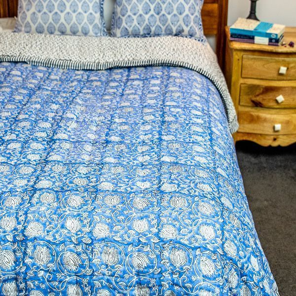 Quilt - blue and white tulip print